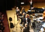 在波士顿快四年,但从未在哈佛看过爵士演出,真是罪过。两年前Roy Haynes携乐队来哈佛,因工作而错过,这次老头儿又来凑热闹,当然不能放过,何况Benny Golson、Cecil McBee和Eddie Palmieri这三个老家伙也同来助阵!