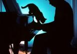 记忆最深的就是Glass在现场伴着Ginsberg吟诗录音演奏Wichita Vortex Sutra(是的,他们二人都拥有以此为名的作品,一首诗和一曲钢琴独奏)。
