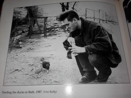 viva hate录制时期vini为morrissey拍摄的照片
