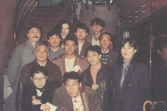 92年林强赴东京宣传时,与日本乐评人合影