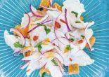 Ceviche姑且译作柠汁腌鱼生,指明其中最重要的两个原料便是青柠汁与鱼生。广义来讲,是柑橘属(citrus)植物果肉汁液与新鲜生鱼混合而成。